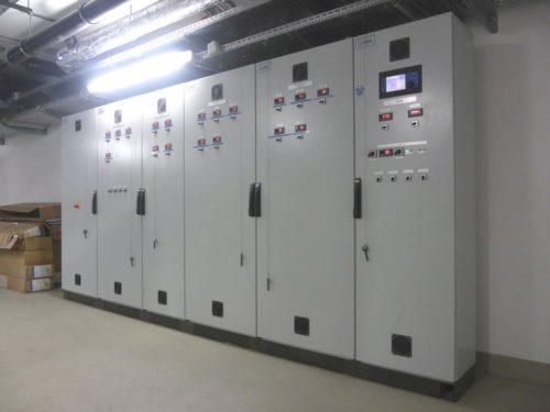 Schaltschrank einer Blutkühlanlage für die Blutkühlung in der Blutbank St. Pölten