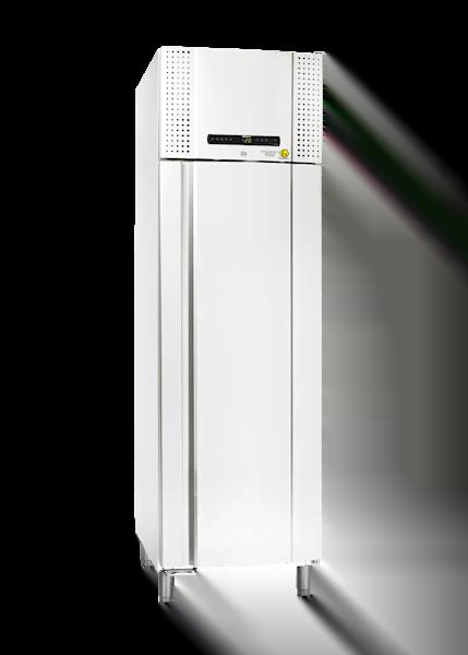 Laborgefrierschrank BioBlood BF500 von Gram mit geschlossener Standardtür und Ansicht von der Seite