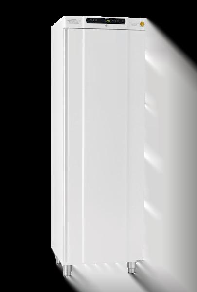 Explosionsgeschützter Laborgefrierschrank BioBasic RF410L von Gram mit geschlossener Standardtüre und Ansicht von der Seite