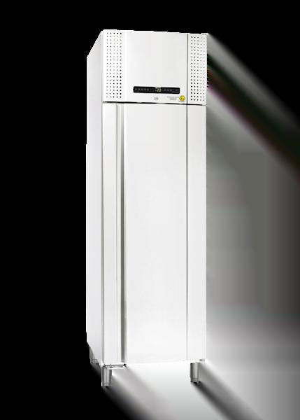 Explosionsgeschützter Laborgefrierschrank BioPlus RF500 von Gram mit geschlossener Standardtüre und Ansicht von der Seite