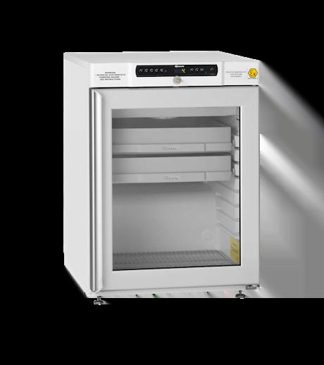 Explosionsgeschützter Laborkühlschrank BioCompact II RR210 DIN von Gram mit geschlossener Glastür und Ansicht von der Seite