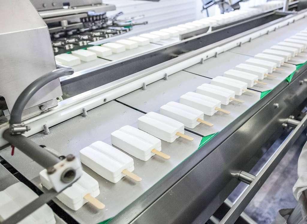 Durchlaufkühler, Eisfabriken, Kaltwassersätze und Kühlzellen für den Industriebedarf