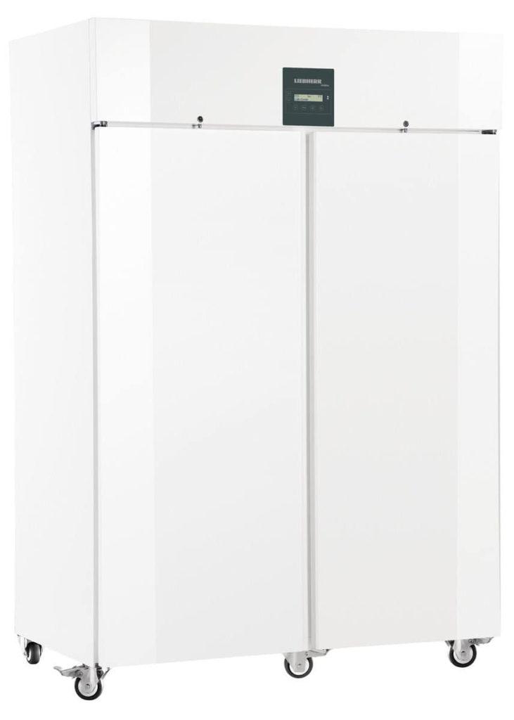 Explosionsgeschützter Laborkühlschrank LKPv 1420 von Liebherr mit geschlossener Standardtüre und Ansicht von der Seite