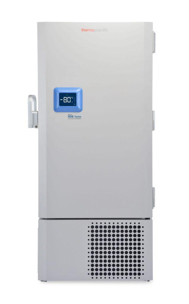 Labor Ultratiefkühlschrank RDE50086 von Thermo Scientific REVCO mit geschlossener Standardtüre und Ansicht von vorne