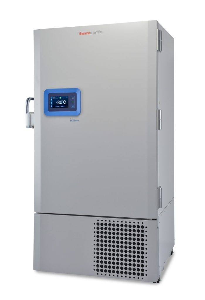 Labor Ultratiefkühlschrank RLE60086V von Thermo Scientific REVCO mit geschlossener Standardtüre und Ansicht von der Seite