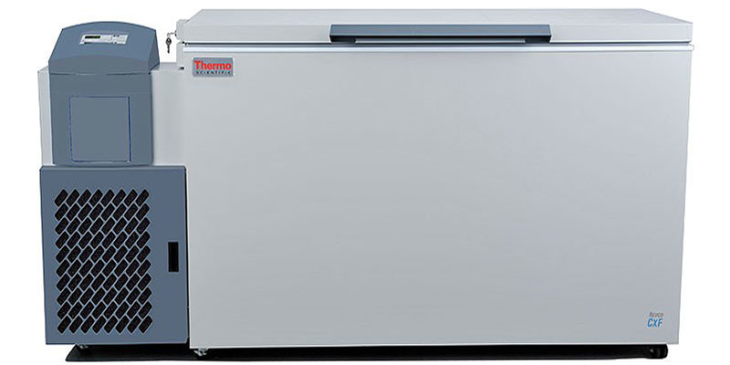 Labor Tiefkühltruhe ULT1750-10-V von Thermo Scientific REVCO mit geschlossenem Deckel und Ansicht von vorne