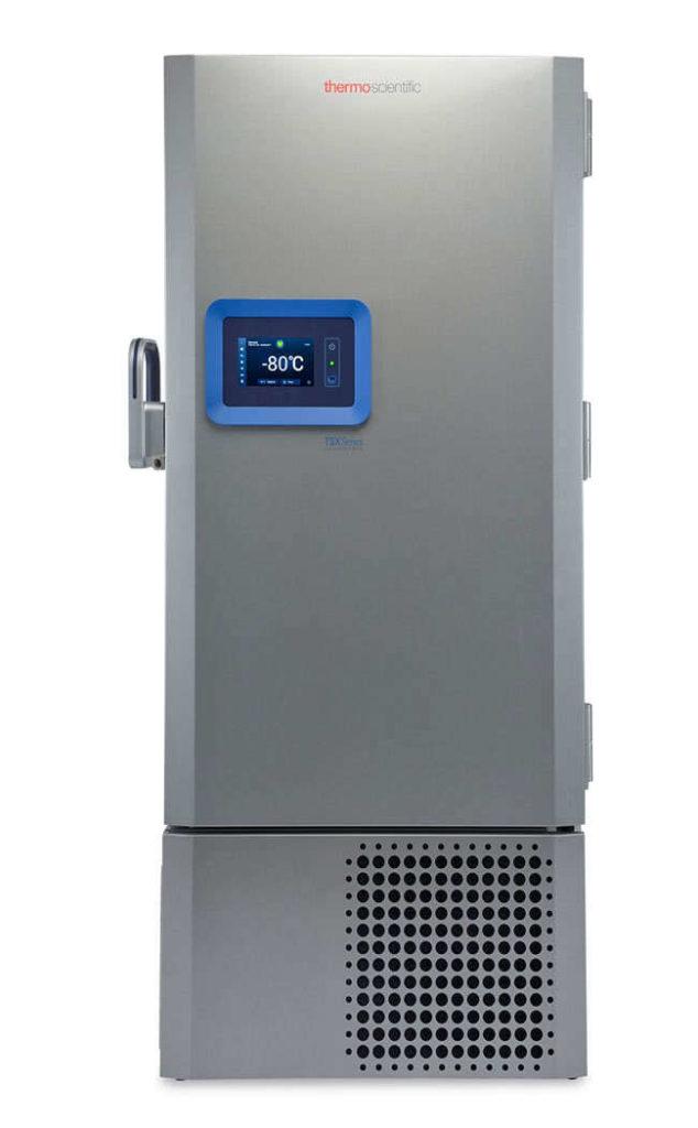 Labor Ultratiefkühlschrank TSX50086V von Thermo Scientific REVCO mit geschlossener Standardtüre und Ansicht von vorne