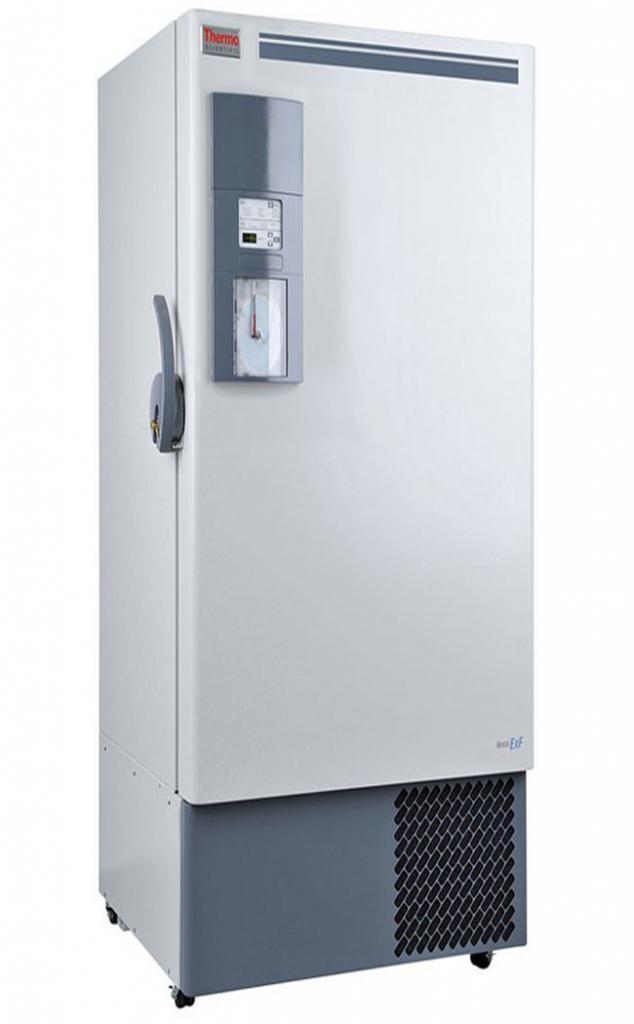 Labor Ultratiefkühlschrank ExF 24086V von Thermo Scientific REVCO mit geschlossener Standardtüre und Ansicht von der Seite