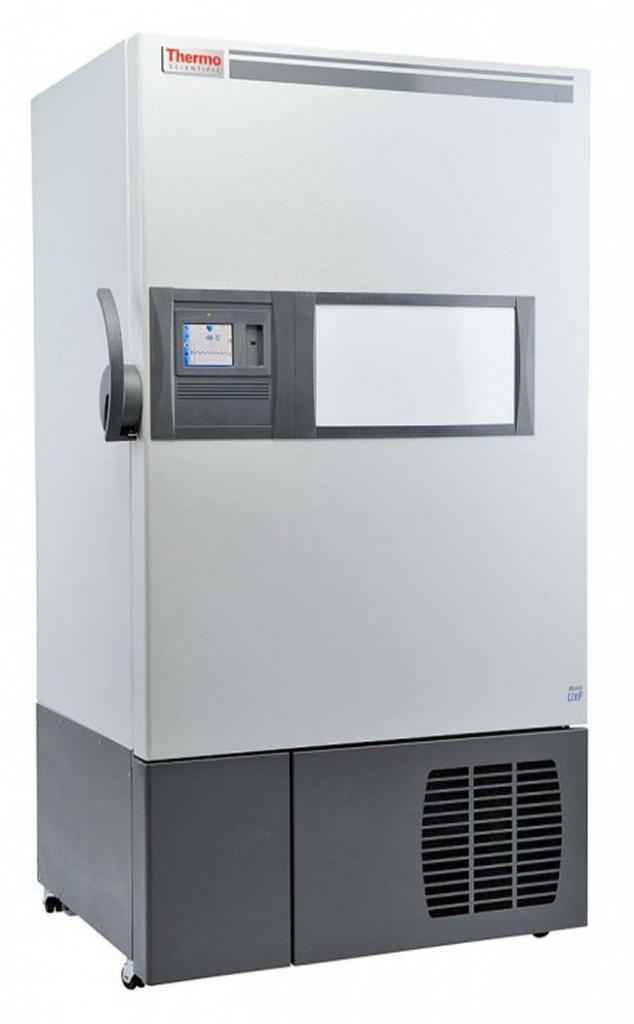 Labor Ultratiefkühlschrank UxF 70086V von Thermo Scientific REVCO mit geschlossener Standardtüre und Ansicht von der Seite