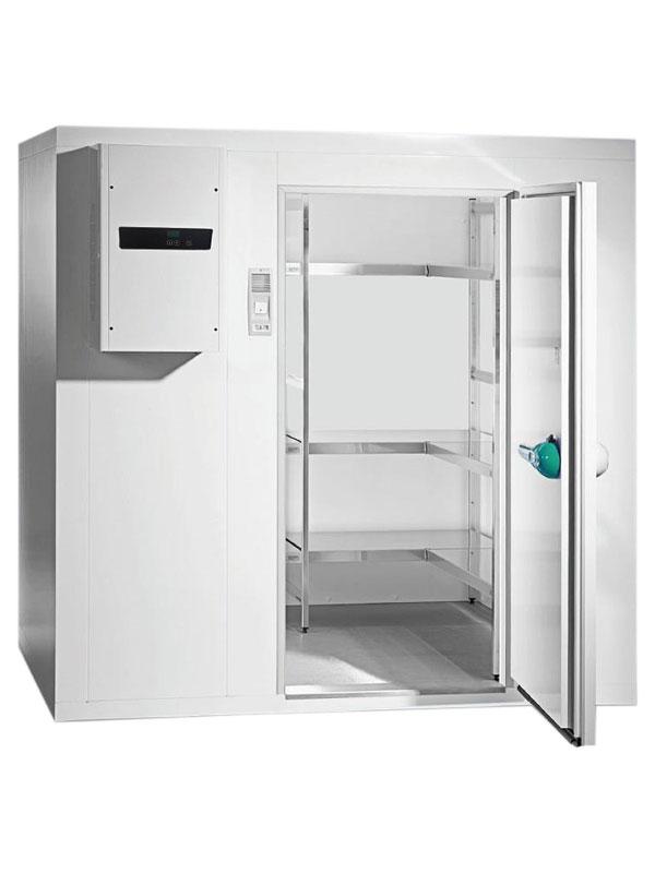 Tiefkühlzelle TectoCell Standard Plus ClassicEdition 100 Paket 5 2400 x 2100 x 2150 von Viessmann mit offener Standardtüre und Ansicht von der Seite